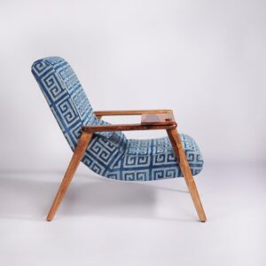 maze-patterned-dhurrie-lounge-chair-with-detachable-surface-and-knob-b